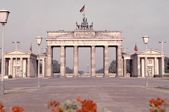 cca 1976 Brandenburger Tor (beranekp) Tags: old berlin history germany deutschland alt tor brandenburger musictomyeyeslevel1