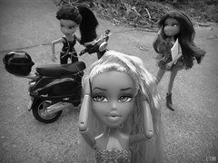 "Chanel - BNTM C.2 - Semi Finalist Theme 3/4 - ""Flashback"" (Li.Th.Do.Nr) Tags: blackandwhite bw movie doll blond blonde forever vinessa diamondz"