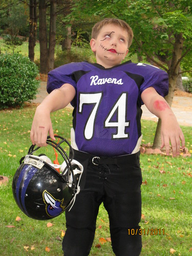 2011 Halloween: Zombie Football player