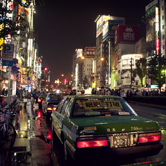 Tokyo Nights (Shinjuku) (Alberto Sen (www.albertosen.es)) Tags: street wet rain japan night lights tokyo luces noche calle lluvia nikon shinjuku taxi alberto japon sen tokio neones d300s albertorg albertosen