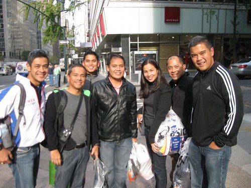 lunch after the expo w pinoy NYCM runners