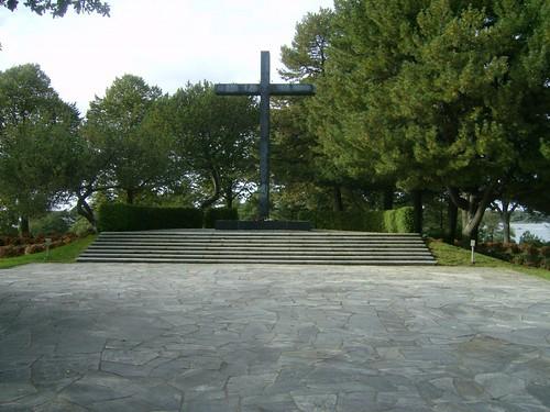 Una cruz en el cementerio de Hietaniemi
