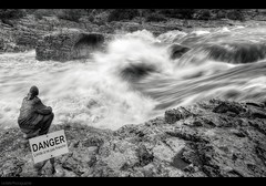 """DANGER"" (Le***Refs *PHOTOGRAPHIE*) Tags: bw white black nature water danger river nikon rocks riviere pluie nb cascades hdr inondation gard crue 10mm laroquesurceze d90 cascadedusautadet lerefs"