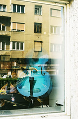 Zg4 (Kristina Jovanovic) Tags: street city blue music art window azul buildings ventana calle reflex nice edificios loneliness arte notes turquoise kristina croatia ciudad note zagreb wires cello reflejo lonely notas framing instruments grad emotions marcos msica hermosa showcase analogphotography croacia feelings listen herramientas hrvatska prozor escaparate jovanovic alambre refleks solitaria turquesa thesound samoca lepo sentimientos lasoledad emociones ulica izlog muzika plavo violoncelo escuchar zvuk elsonido zgrade fotografija zice umetnost usamljeno instrumenti tirkiz emocije analognafotografija krisjovanovic slusati osecanja kadriranje