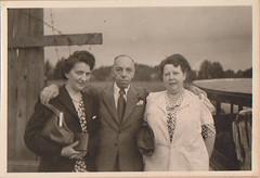 Otto & Lieschen (1948) (indigo_mint) Tags: old woman man 1948 vintage germany photo hamburg 1940s german chef otto fred 40er lieschen 1940er