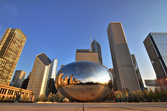 The Bean and The Giants of Chicago (Seth Oliver Photographic Art) Tags: nikon pinoy circularpolarizer chicagoist d90 handheldshot setholiver1 1024mmtamronuwalens