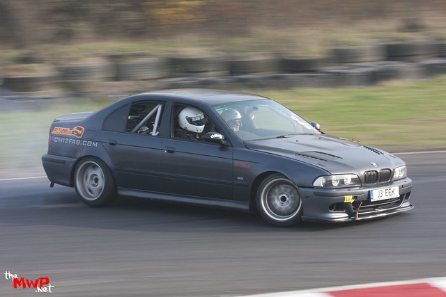 Jeek drifting his BMW 540i