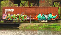 ASIC & RYOE (BLACK VOMIT) Tags: car train graffiti box diamond boxcar freight asic ryoe