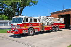 Indianapolis Fire Department. Ladder 15 (RJACBclan) Tags: pierce ladder15 indianapolisindiana laddertruck ifd aerialtruck towerladder indianapolisfiredepartment towerladder15 piercearrowxt ifdladder15 indianapolisladder15