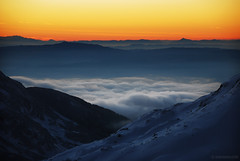 sea of clouds (.:: Maya ::.) Tags: winter sunset mountain snow nature beauty clouds landscape december glow outdoor bulgaria alpen  pirin   ezero      tevno  mayaeye mayakarkalicheva   wwwmayaeyecom