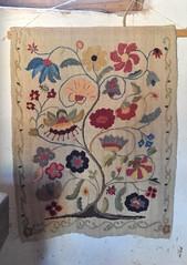 Colcha Embroidery New Mexico (Teyacapan) Tags: flowers newmexico needlework embroidery sewing hispanic textiles picnik golondrinas bordado colcha