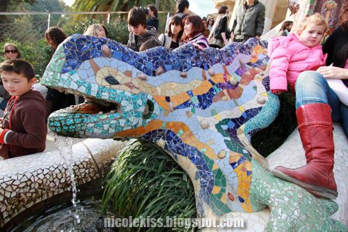 park guell mosaic drago3