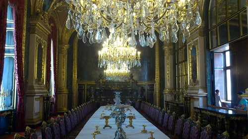 france table louvre pairs chandeliers napoleoniiiapartments largedininghall