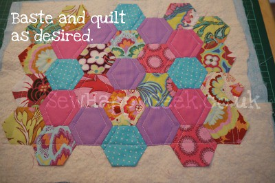 hexagon mug rug tutorial 14