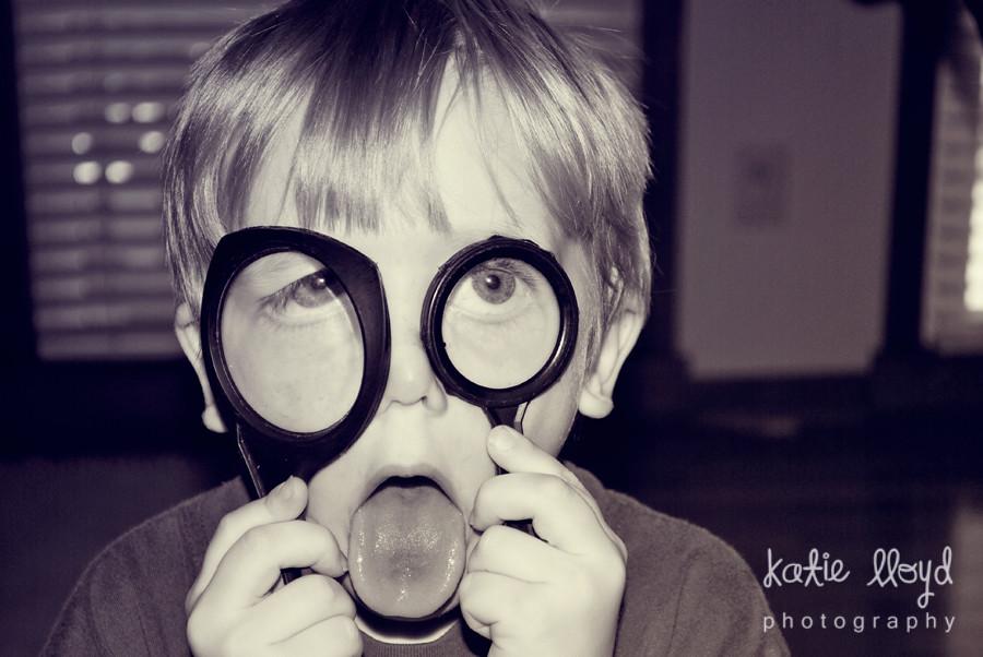breck-mag-glasses