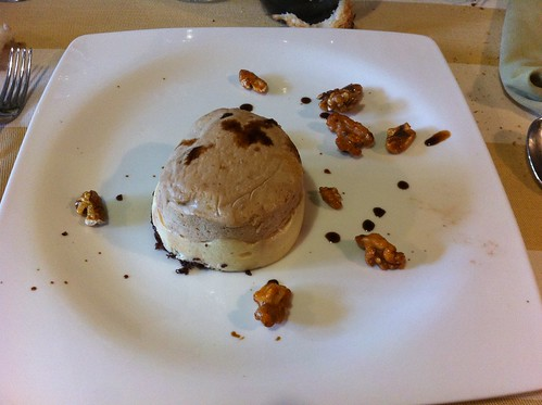 La Vall d'en Bas | Restaurant Sant Miquel | Mousse de vainilla y ratafía de La Garrotxa