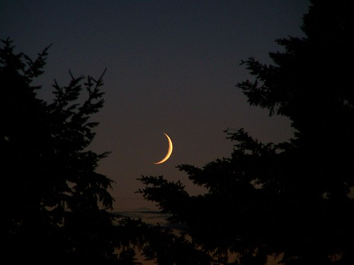 jun-jul 216 Crescent moon