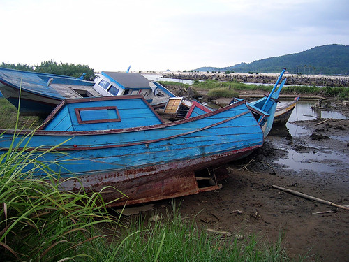 Tsunami aid boats in Aceh, Indonesia, photo by Dedi Supriadi Adhuri, 2006