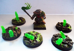 Skaven Verminkin and Wyrdstone tokens (Camper_Bob) Tags: miniatures painted 40k warhammer duncan macdonald