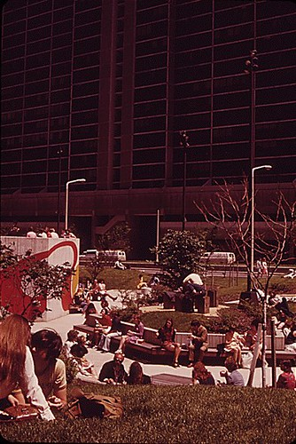 CHESTER COMMONS, POPULAR MINI PARK IN BUSY, DOWNTOWN CLEVELAND, 06/1973