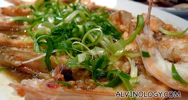Fresh steamed prawns with a healthy dose of garlic