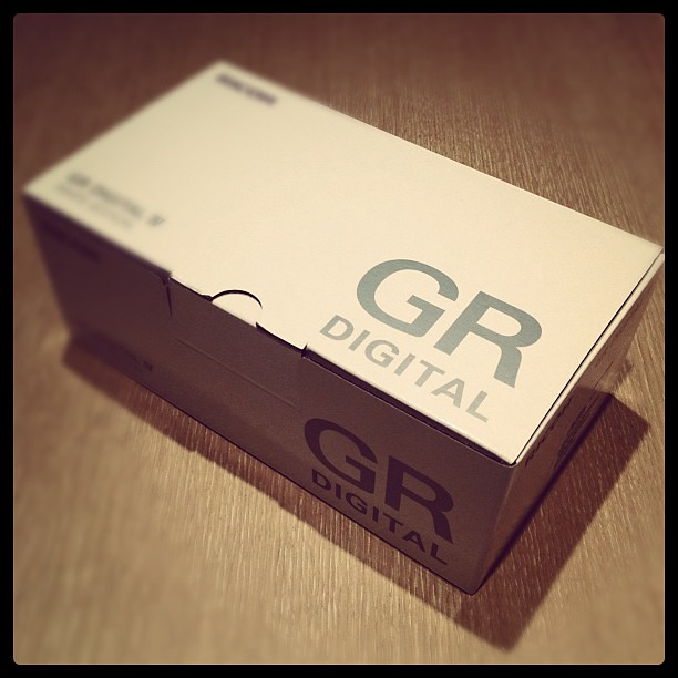 RICHO GR DIGITA IV White edition Unboxing