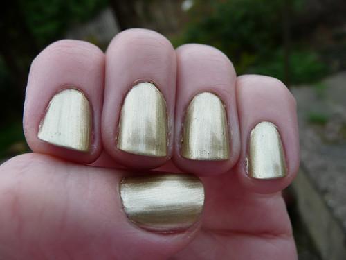 barry m gold foil 1