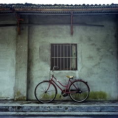 Red* (miki**) Tags: life red 120 window bicycle wall  rolleiflex35f