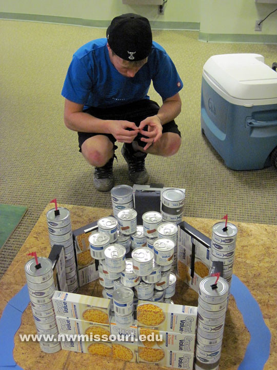 2011 Homecoming canned art competition