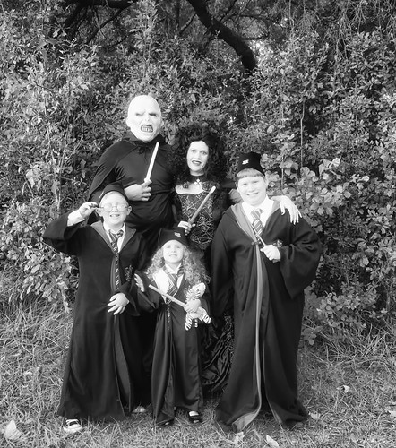 fb 11-10-31 Halloween 2-5
