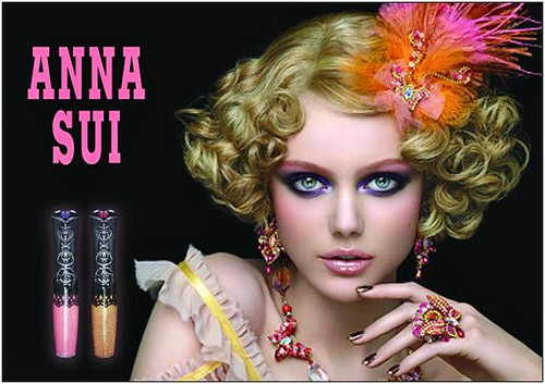 Frida-Gustavsson--Anna-Sui-cosmeticos-SS-2011