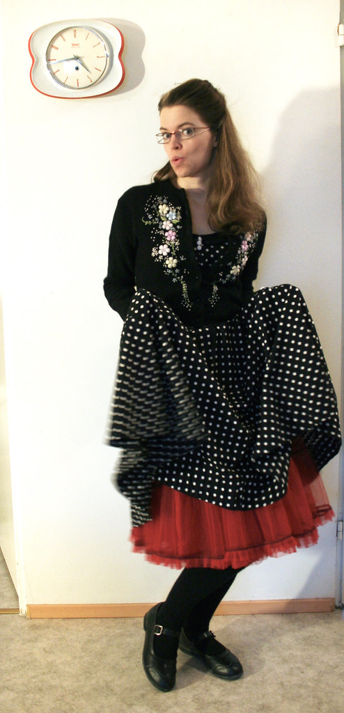 kitten-outfit11+skirt