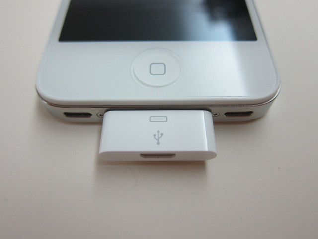 Apple iPhone Micro USB Adapter On iPhone 4S