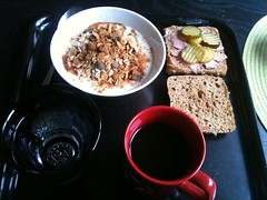 Frukost 7/11 (Atomeyes) Tags: fil mat vatten kaffe frukost kanel msli gurka leverpastej frkuse