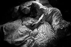 Pagi Eidul Adha 2011 (Rasfan Abu Kassim) Tags: lighting family light baby white black canon sleep dramatic usm f28 available markii eos1ds ef20mm