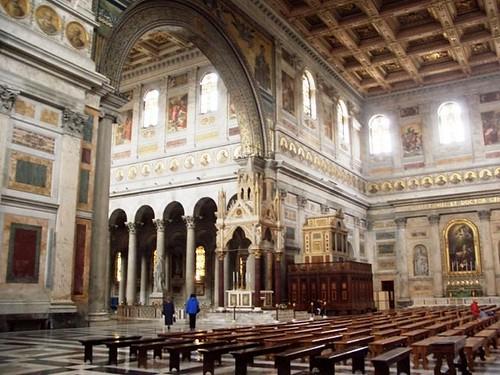Confluencia de transepto y nave central