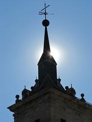 "Sunlight through El Escorial <a style=""margin-left:10px; font-size:0.8em;"" href=""http://www.flickr.com/photos/56791810@N02/6328699082/"" target=""_blank"">@flickr</a>"