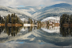 Sarnitsa is a small town in Rhodope mountains , Bulgaria (.:: Maya ::.) Tags: house lake reflection pine woods village bulgarian rodopi   dospat