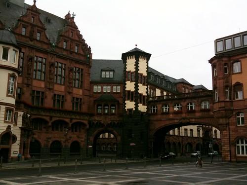 <span>francoforte</span>Scorcio della città vecchia<br><br><p class='tag'>tag:<br/>cultura | francoforte | </p>