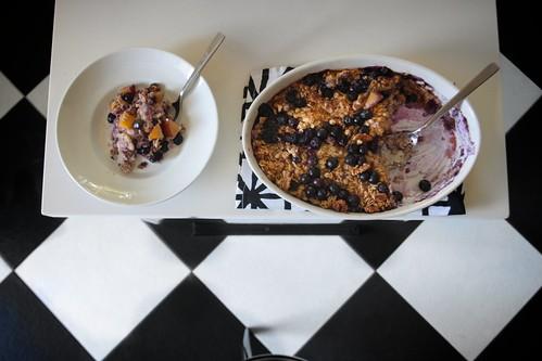 nectarine & blueberry baked oatmeal