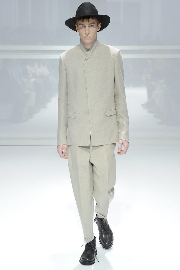 SS12 Paris Dior Homme027_Bastien Bonizec(VOGUEcom)