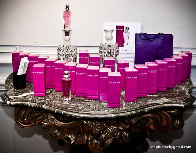 ST Perfume -The display-2-2