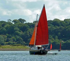 "Charlie tacking on the Cleddau • <a style=""font-size:0.8em;"" href=""http://www.flickr.com/photos/36398778@N08/6214447750/"" target=""_blank"">View on Flickr</a>"
