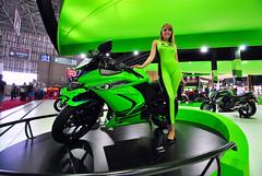 Salo Duas Rodas 2011 (De Santis) Tags: girls brazil hot verde green girl brasil model nikon mulher sigma modelo sp babes moto motorcycle garota motor paulo 1020mm cameltoe so kawasaki duas rodas motocicletas salo d3000