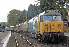 "50031 ""Hood"" (Andrew Edkins) Tags: geotagged railwaystation hood hoover svr severnvalleyrailway hamptonloade class50 largelogo 50031"