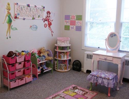 putting it all together - Lexie's room (9)