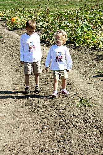 Nat-and-Aut-walking-pumpkin-patch