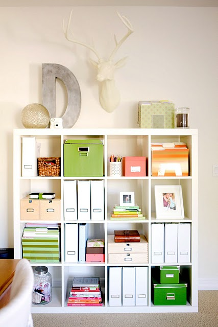 White Expedit