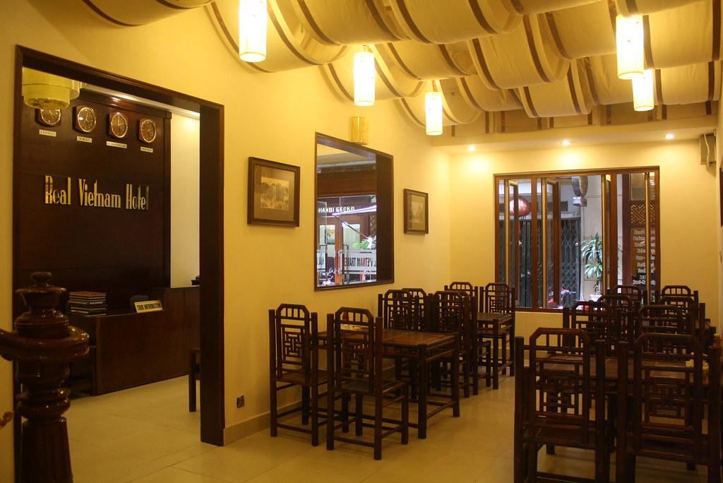 cheap hotel Restaurant rvn