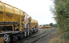 Into the sidings (b16dyr) Tags: railway rollingstock system4 highoutputmfswagons mfswagons